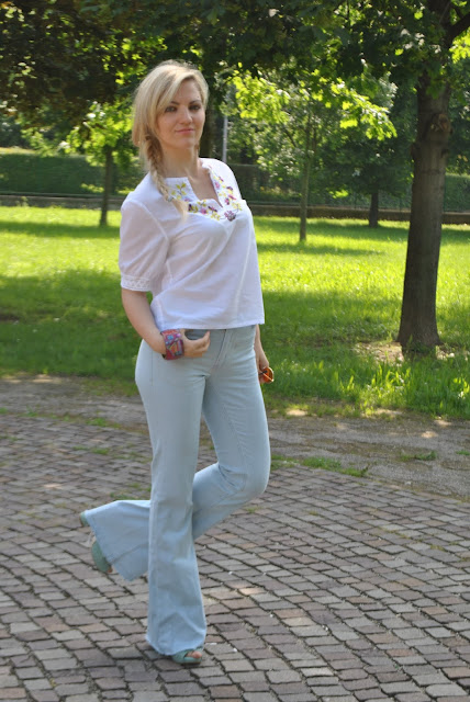 outfit jeans a zampa come abbinare i jeans a zampa abbinamenti jeans a zampa how to wear flare pants how to combine flare jeans how to match flare jeans outfit giugno 2016 outfit estivi mariafelicia magno fashion blogger colorblock by felym fashion blog italiani fashion blogger italiane italian fashion bloggers influencer italiane