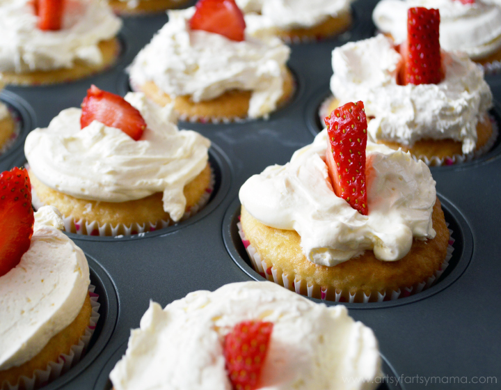 Strawberry Shortcake Cupcakes at artsyfartsymama.com