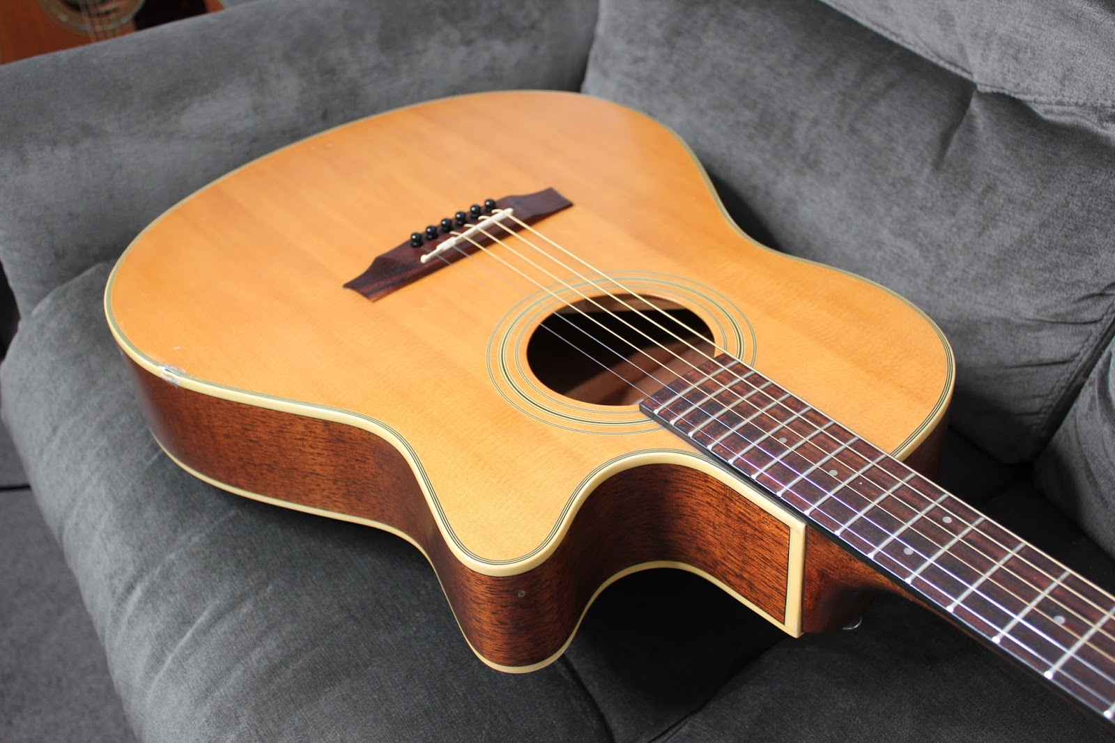 acoustic guitar plucking etc ibanez ae10lg acoustic electric guitar demo review. Black Bedroom Furniture Sets. Home Design Ideas