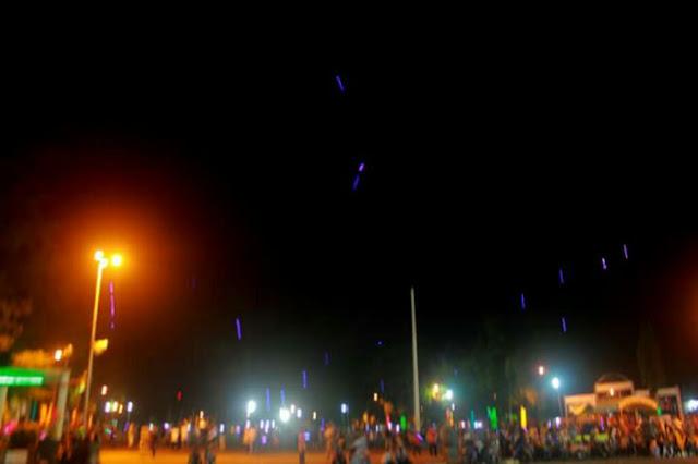 """Malam Takbiran, Langit Lapangan Murjani Banjarbaru Dihujani """"Meteor"""""""