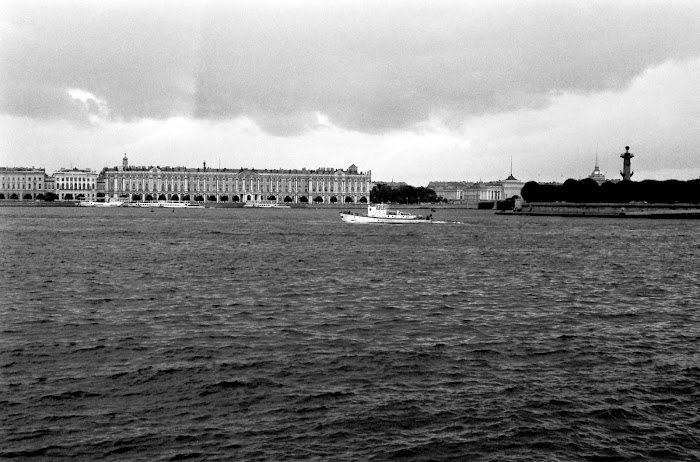 Saint-Pétersbourg, Leningrad, Ermitage, Néva, © L. Gigout, 1990