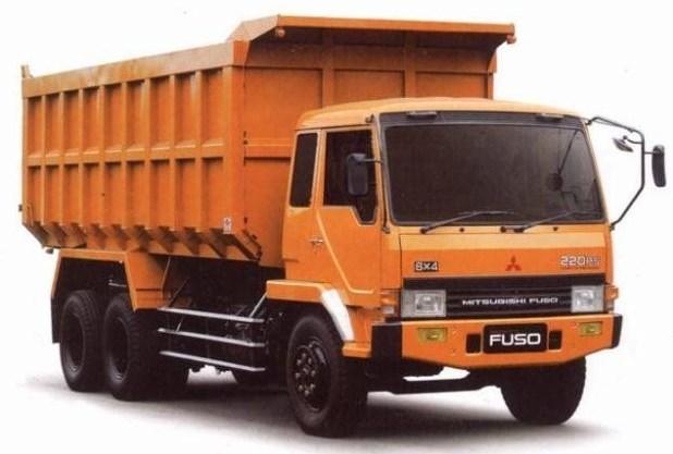 truk tronton mitsubishi fuso kuning