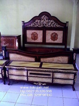 Jual Mebel Jepara, Tempat tidur jati klasik Toko Mebel Jati klasik,Furniture Mebel Jepara code mebel ukir jepara A1119