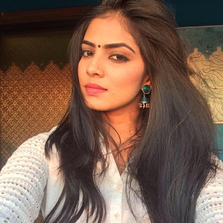 Malavika Mohanan hot, age, movies, photos, instagram, height, blog, actress, navel, facebook, wiki, biography, birthday, family