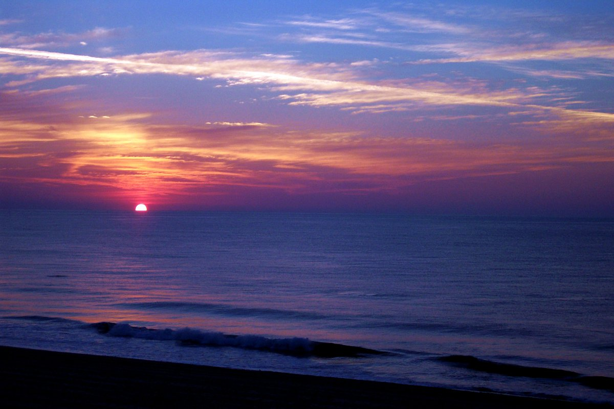 "Image ""OC SUNRISE 2006_2.JPG"" ©2013 K. R. Smith - www.theworldofkrsmith.com - may be used with attribution"