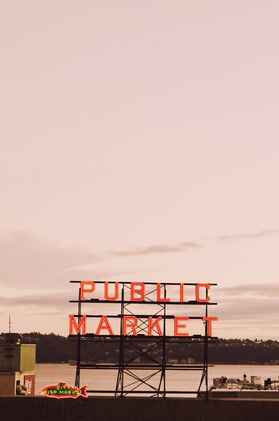 most instagrammable places in seattle pike place sunset