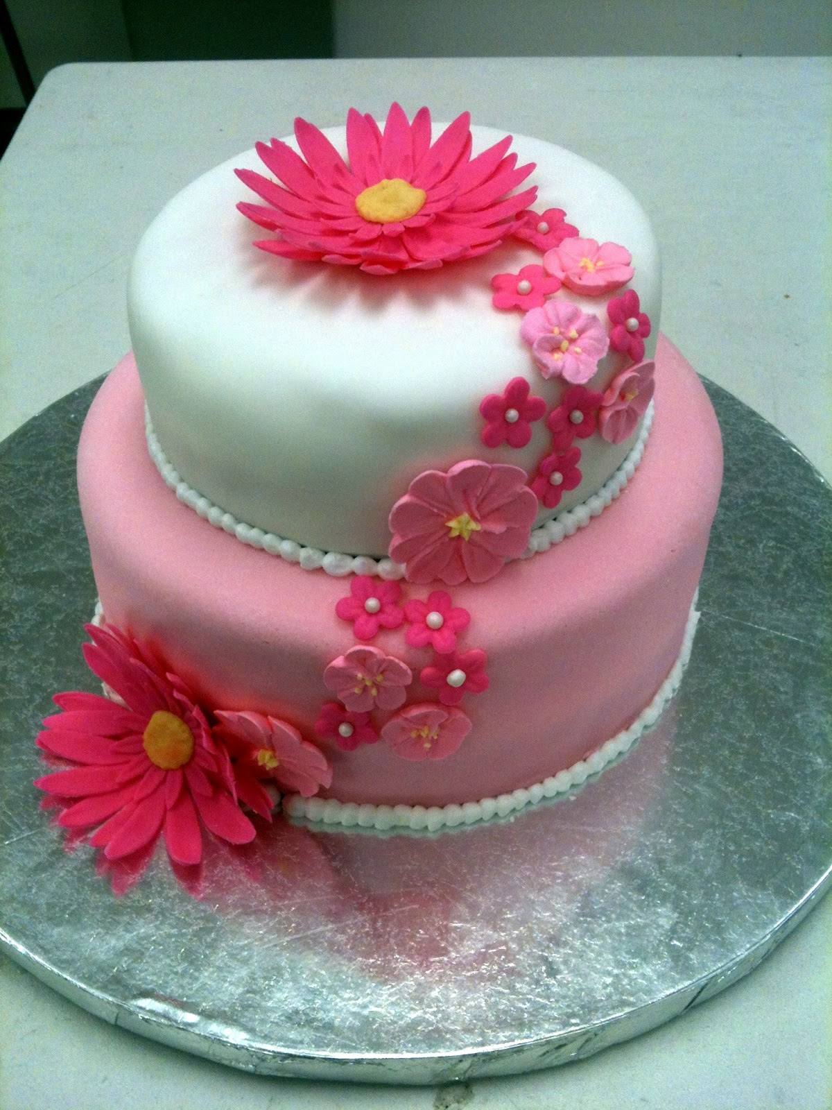 Cake Decorating by Sonia: March 2012 - Tall Cakes Class ...