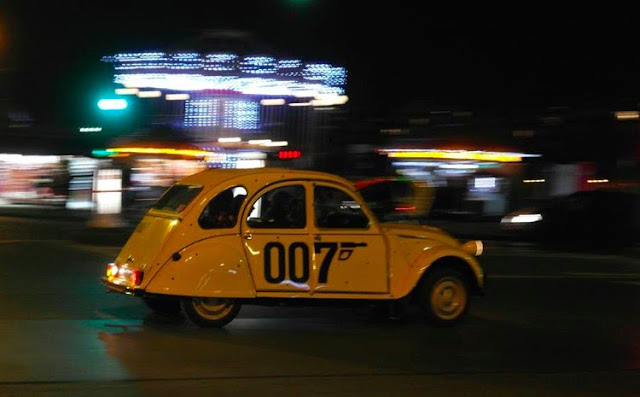 Paris yellow Citroen 2CV James Bond 007