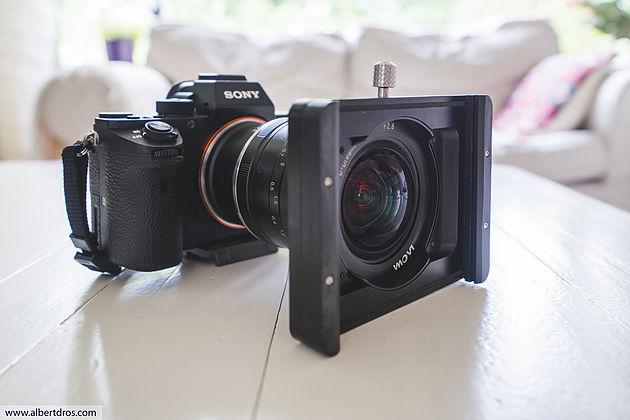 Laowa 12mm f/2.8 с прототипом держателя для фильтров