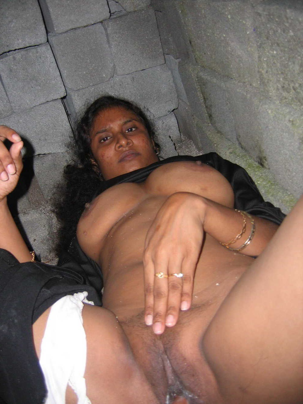 Indian Desi Aunty And Bhabhi Nude Photo 21 Indian Desi Village Aunty -1189