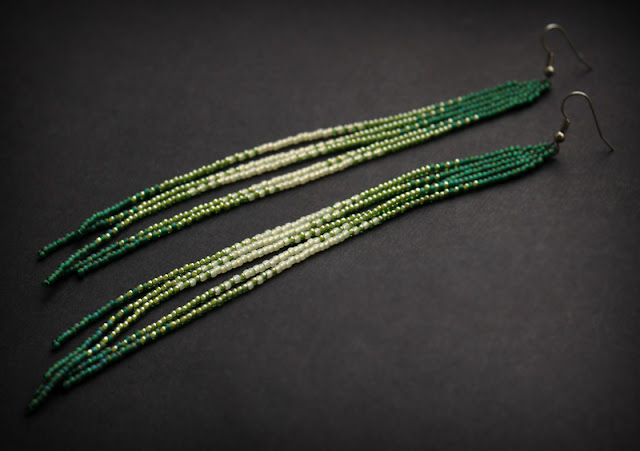 купить серьги бижутерию зеленого цвета в интернет магазине изделий из бисера россия москва