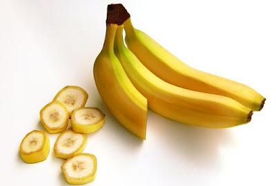 wanita harus doyan makan pisang