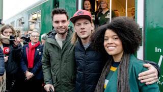 3FM-dj's gearriveerd in Apeldoorn