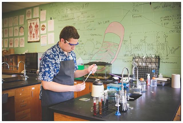 senior session in science lab
