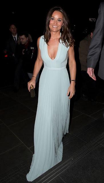 Pippa Middleton vestido longo azul, irmã da Kate
