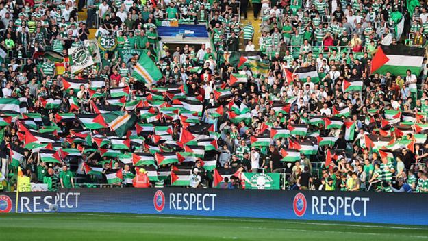 Pendukung Celtic kibarkan bendera Palestina