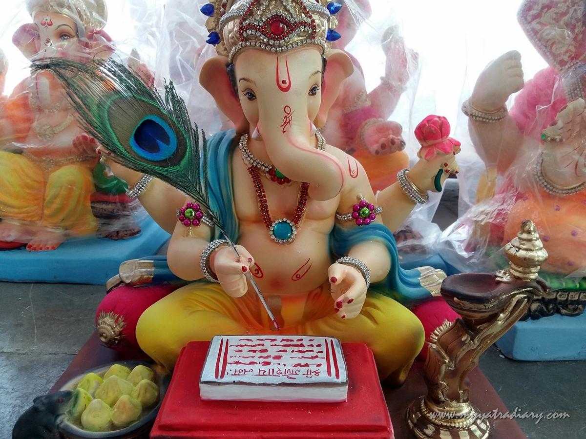 A Ganesha sitting in a workshop, Ganesh Chaturthi 2017, Mumbai