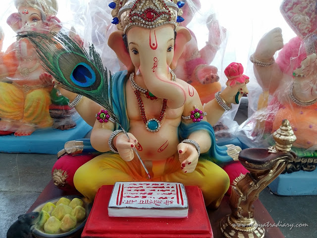 A Ganesha sitting in a workshop, Ganesh Chaturthi 2017, Mumbai