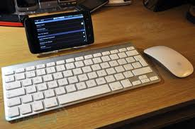 Can you hook up a keyboard and mouse to a tablet