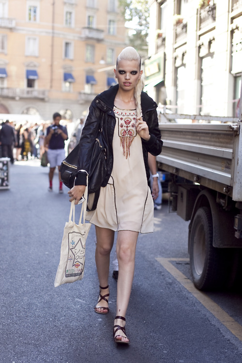 Fashion Week Street Style Daphne Groeneveld The Front