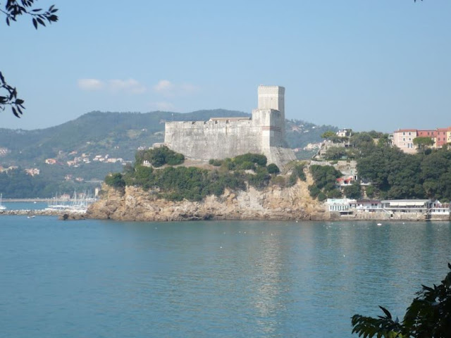 castello di lerici visto da maralunga