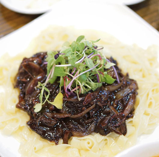 Seoul Eats: Dreaming of the linguine-like noodles from Boksunggak