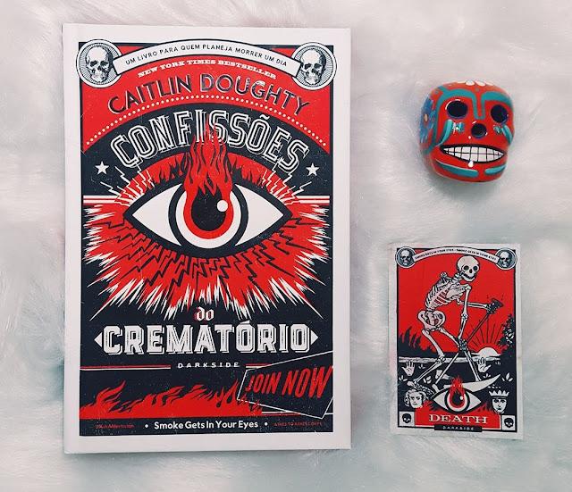 livro Confissões do Crematório de Caitlin Doughty - Editora Darkside Books