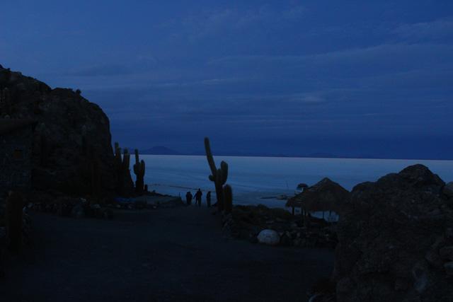 Inicio de la subida al mirador de la isla Incahuasi