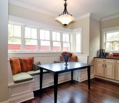 Un banco en la cocina decoraci n for Mesa cocina con banco rinconera