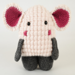 http://www.neacreates.com/amigurumi/hugo-the-lamb/