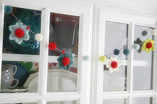 Berries and Blooms Garland Free Crochet Pattern by Susan Carlson of Felted Button
