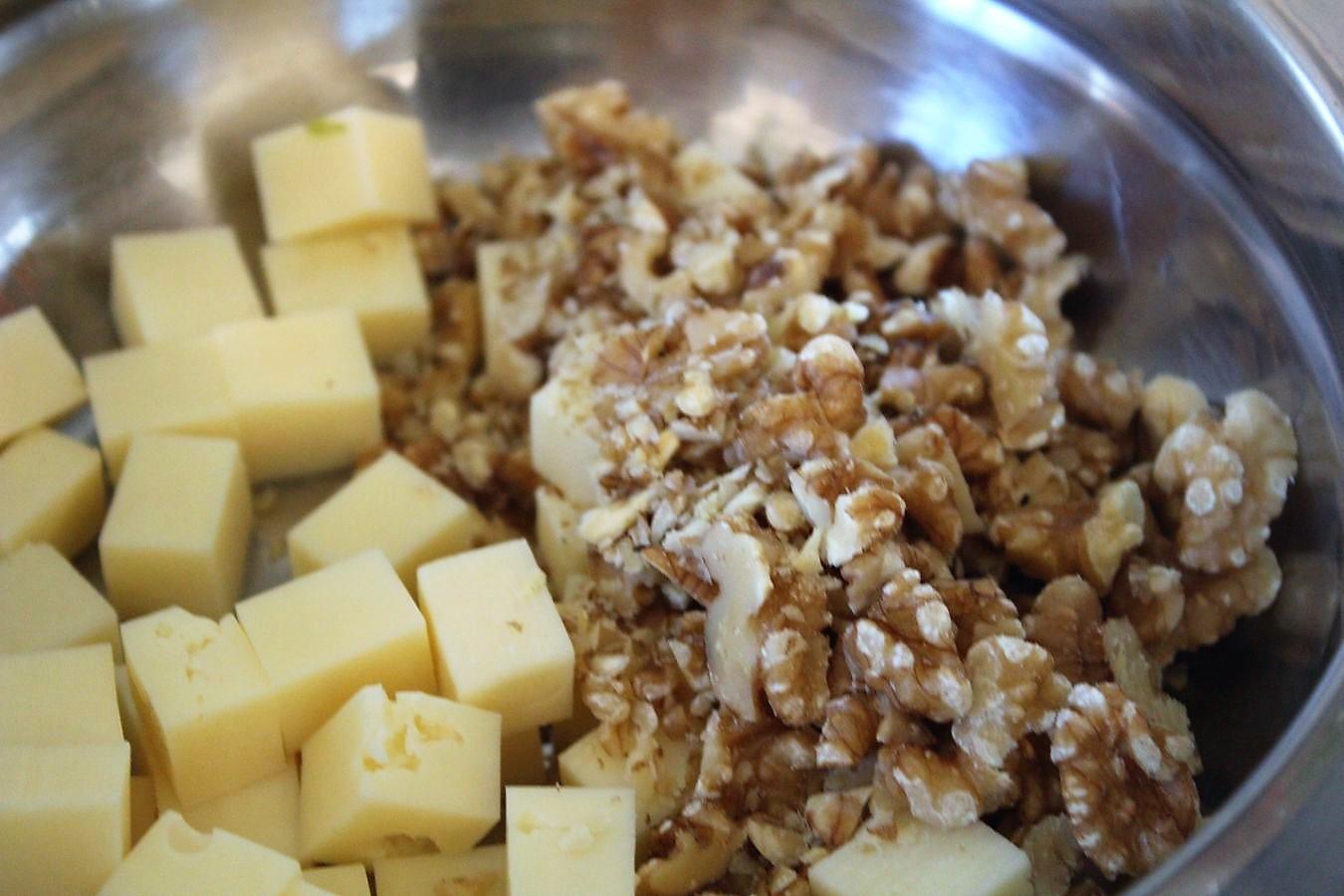 Käsesalat Mit Weintrauben Und Walnüssen Retro Style Glatzkochde