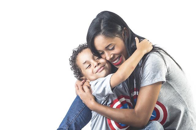5 maneiras de incentivar a positividade do corpo em seus filhos