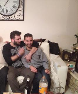Ο Βαγγέλης Αυγουλάς με τον Παντελή Παντελίδη σε φιλικό σπίτι