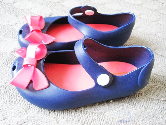 http://www.wholesalebuying.com/product/fashion-walker-toddler-baby-girl-bow-mary-jane-flat-sandal-189269?utm_source=blog&utm_medium=cpc&utm_campaign=Carly1378