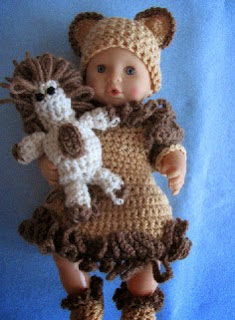 http://donnascrochetdesigns.com/morefree/12%20inch%20lion%20dress.pdf