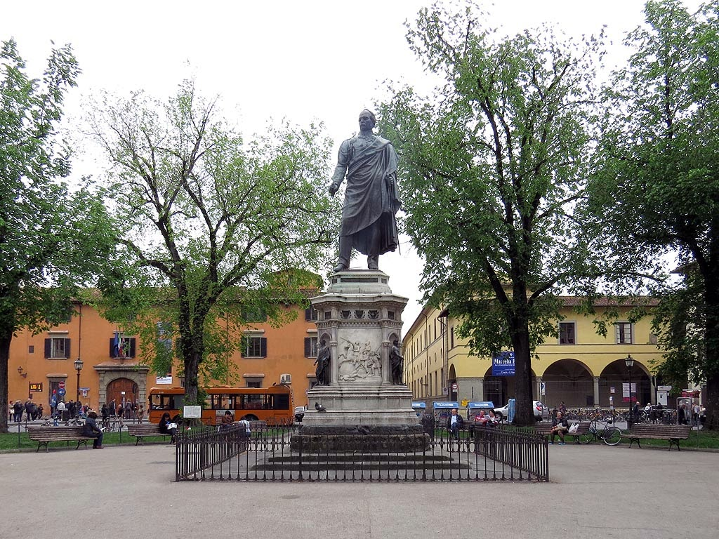 Monument to General Manfredo Fanti by Pio Fedi and Clemente Papi, piazza San Marco, Florence