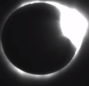 Eclipse Total Anel de Diamante - Idaho - NASA
