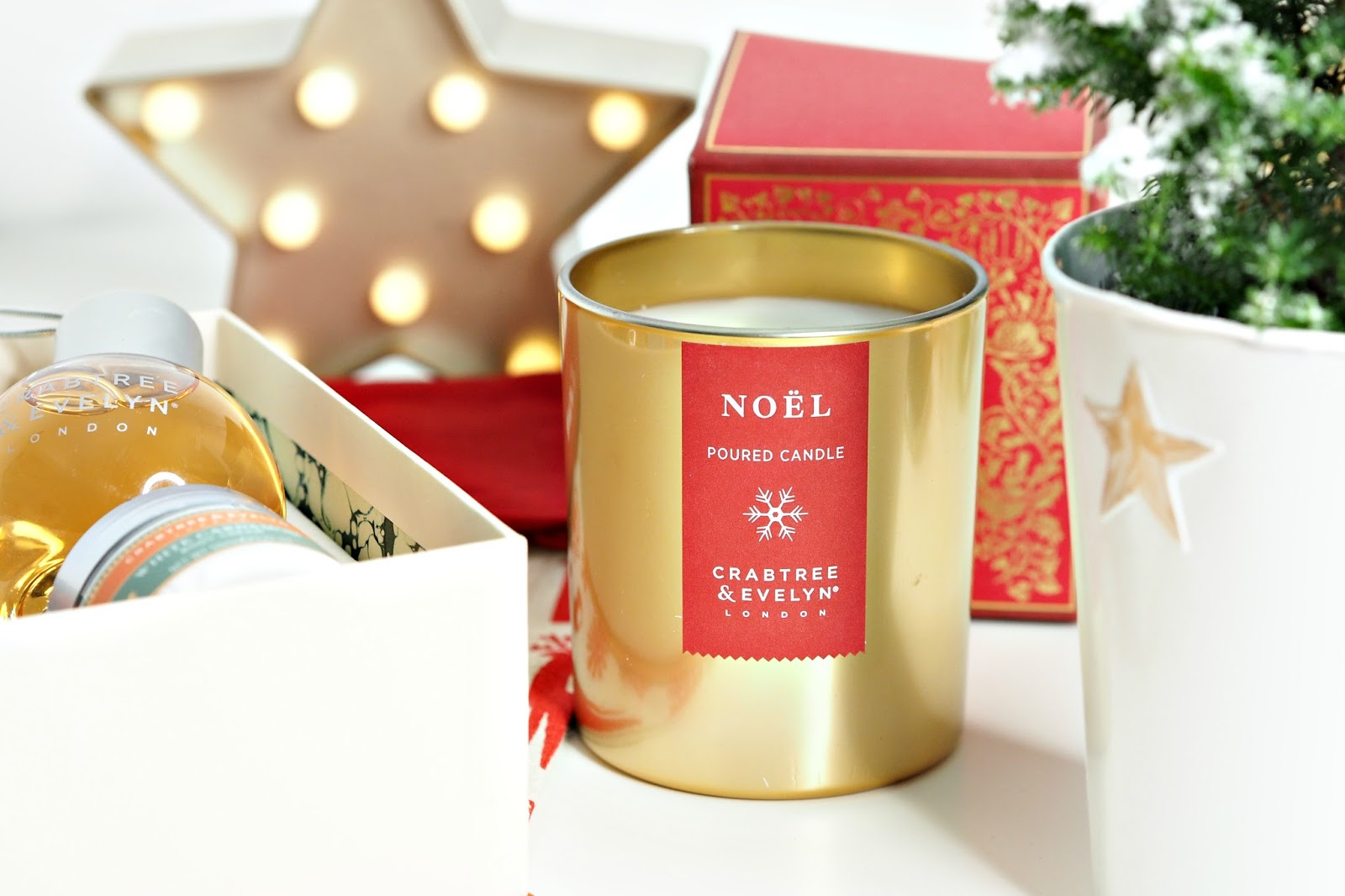 Crabtree & Evelyn Noel Poured Christmas Candle 200g
