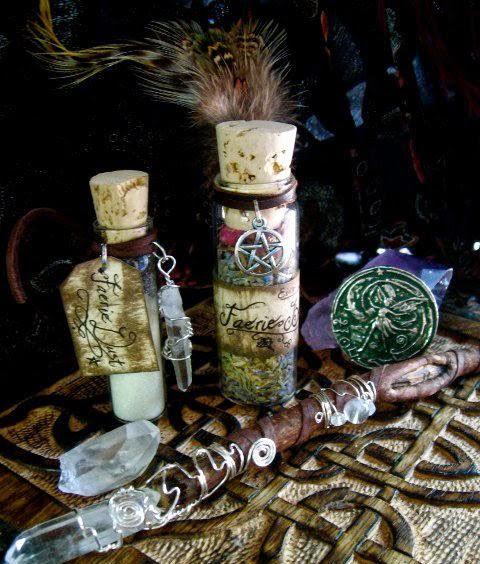 Botella de la bruja para limpiar la negatividad de una casa