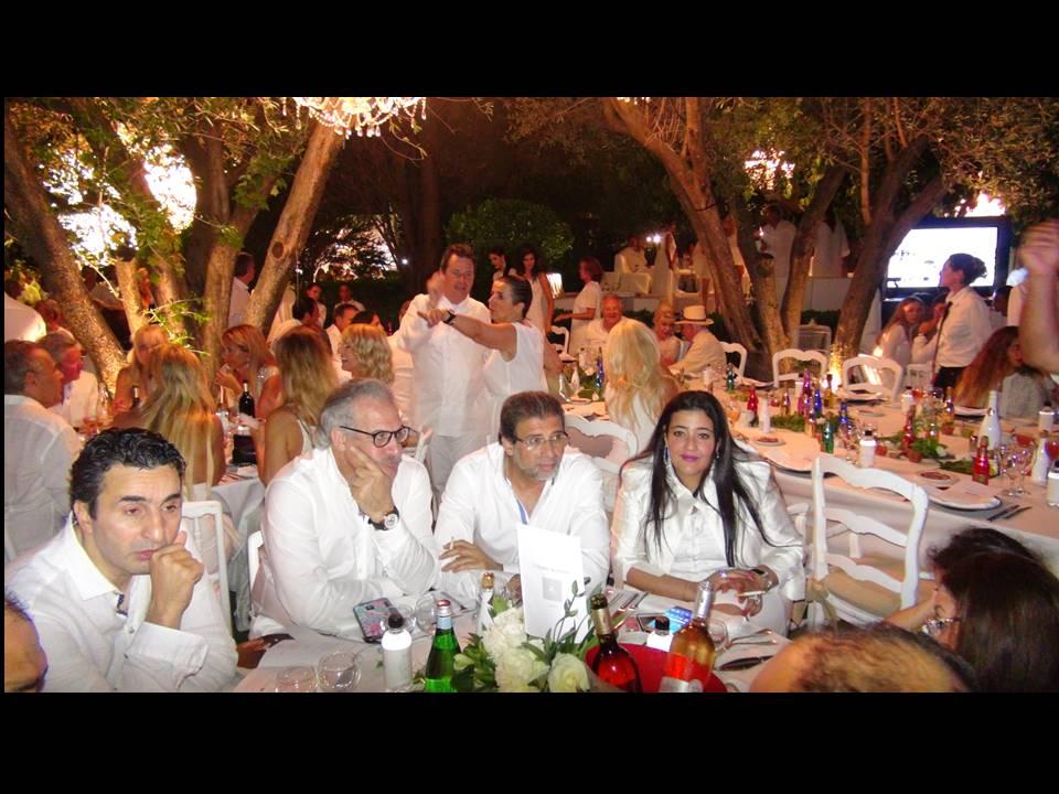 """قدمت الفنانة """"شاليمار الشربتلي"""" معرض بفرنسا بحضور زوجها """"المخرج خالد يوسف """""""