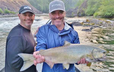salmon-fishing-on-the-rogue-river
