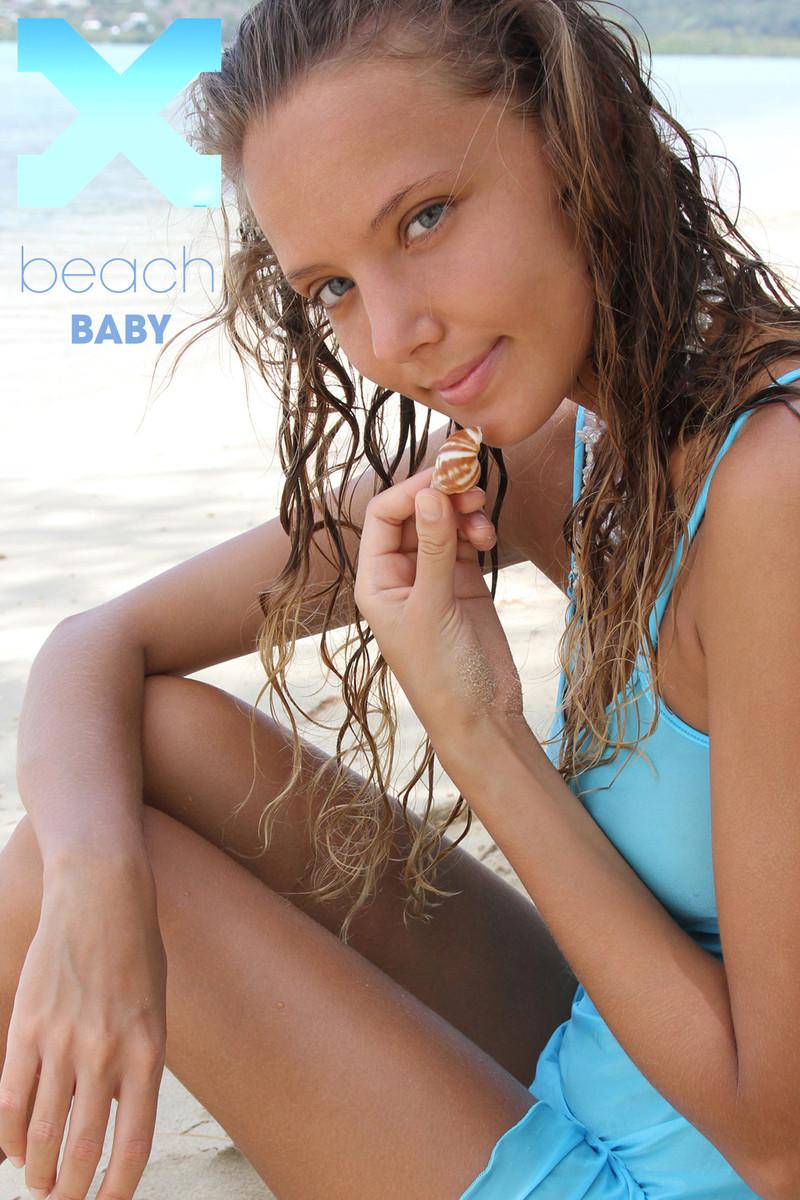 XdxArl3-25 Clover - Beach Baby 06140