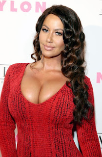 Curvaceous Instagram model Amber Rose