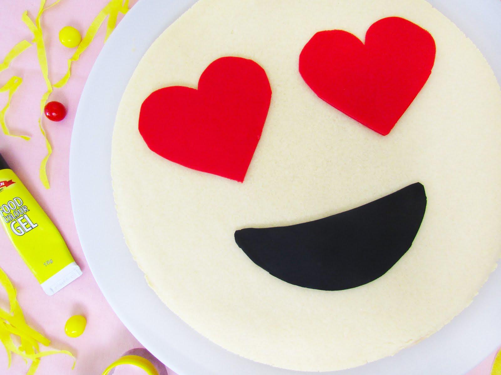 Heart Eyes Emoji Cookie Cake (Super Easy!)