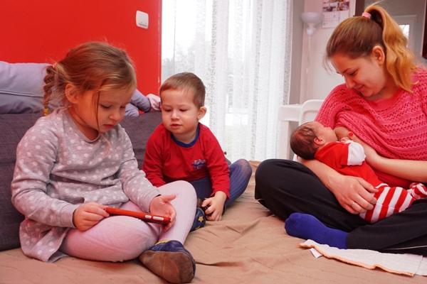 karmienie piersią, trójka dzieci