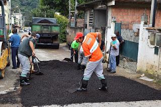 Prefeitura realiza trabalho de recuperação de ruas em vários bairros