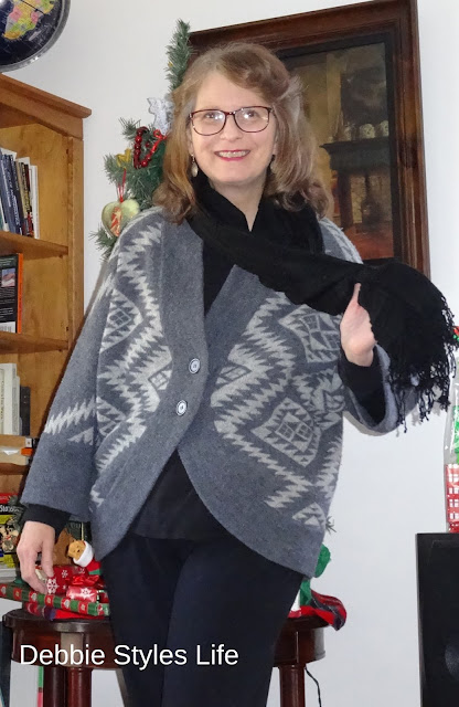 lambswool sweater with fringed scarf