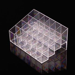 http://fr.aliexpress.com/item/1pcs-High-Quality-Clear-Acrylic-24-Lipstick-Holder-Display-Stand-Cosmetic-Organizer-Makeup-Case/32324773559.html