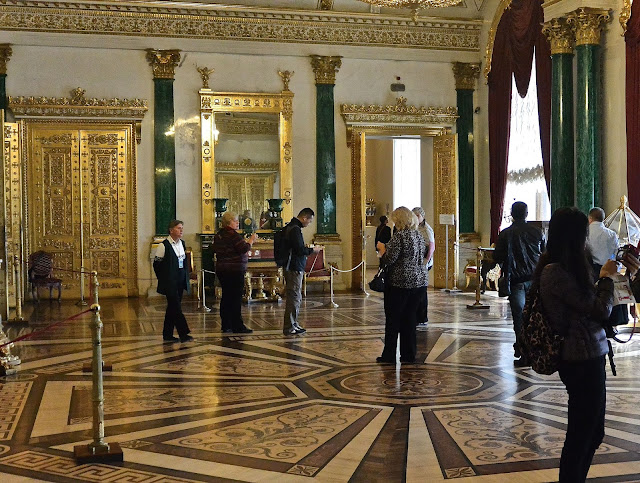 Saint Petersbourg Palais d'Hiver musée de l'Ermitage la salle de malachite